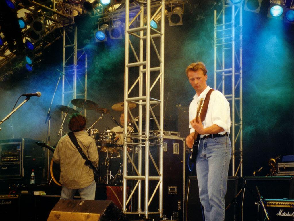 smg-1998-8